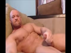 beefymuscle.com - BUKKAKE in his own face