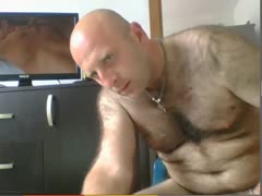 str8 bear jerks his cock