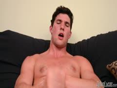 Prettyboy Ashton Harvey strokes himself off