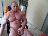 www.beefymuscle.com - Posing and cumming